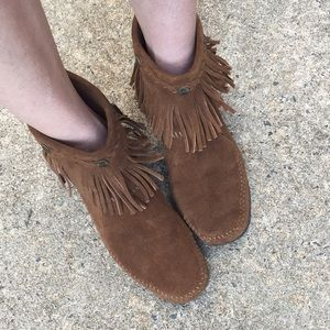 Minnetonka Moccasin Booties Size 8